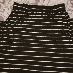 Old Navy ankle length skirt with slits